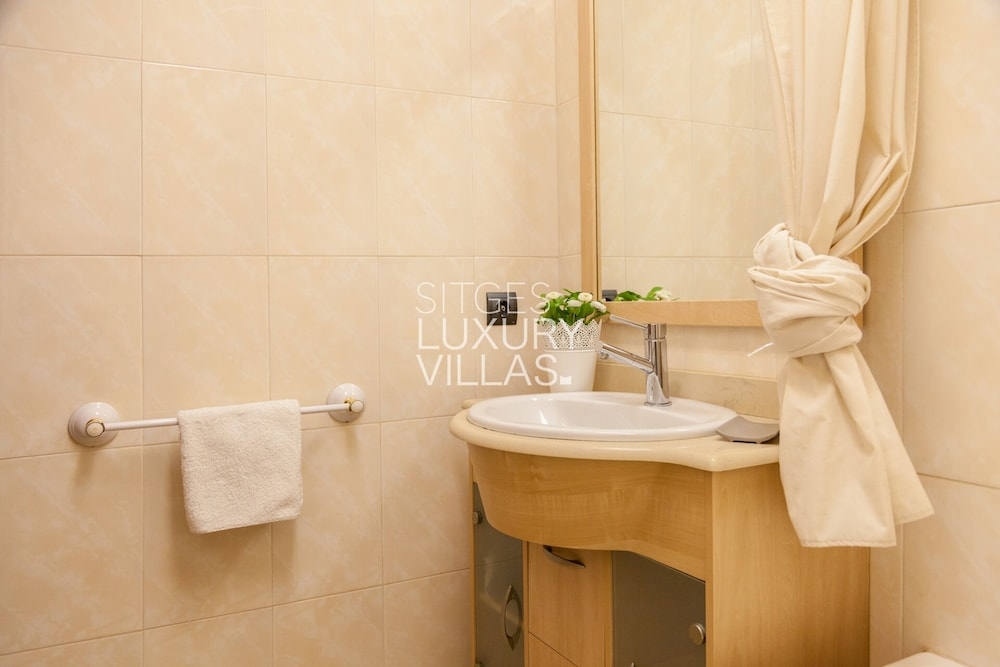 Bathroom, Villa Carmen Heated Pool, 5 Min. Sitges