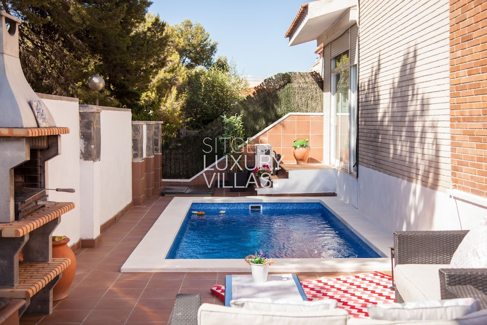 Featured Image, Villa Carmen Heated Pool, 5 Min. Sitges