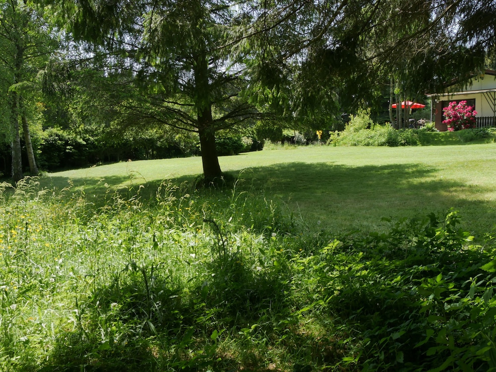 Property Grounds, Detached 4 Star Bungalow -3800 sqm Plot in the Middle of the National Park