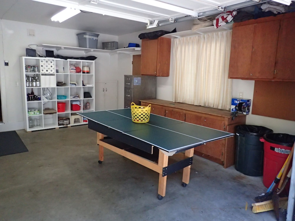 Game Room, Spacious Mountain Home Very Close to Dodge Ridge