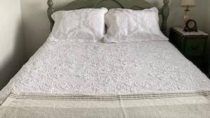 2 makuuhuonetta, vuodevaatteet