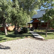 Hunters Welcome! Farmhouse Flavor in the Heart of our Colorado River Town