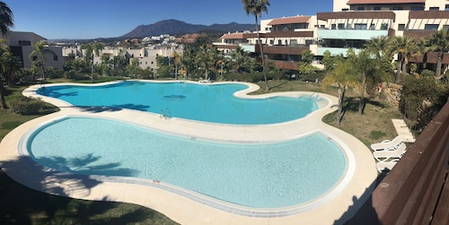 High Standing Apartment Marbella / Golf LOS Flamingos Pools / Beaches / Wifi