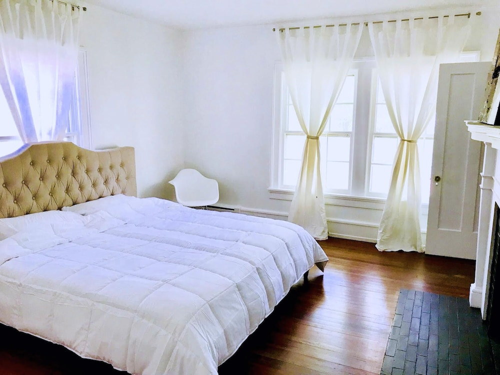 Luxury Retreat In Oneonta Ny For All Of Your Baseball And Bnb Needs Hotel Rates Reviews On Orbitz