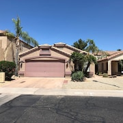 Newer 3 Bedrooms Private Home in N. Phoenix W/pool