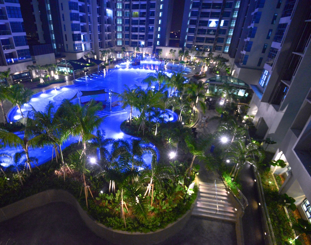 Atlantis Residence Pool View Apartment By Iconstay Melaka