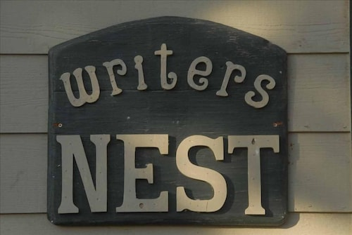 The Writers Nest - Holiday Ready- Thx Giv - X-mas - New Years