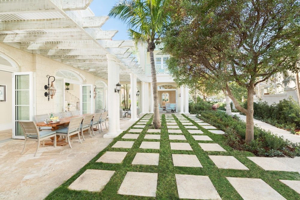 Terrace/Patio, The Villas at the Shore Club