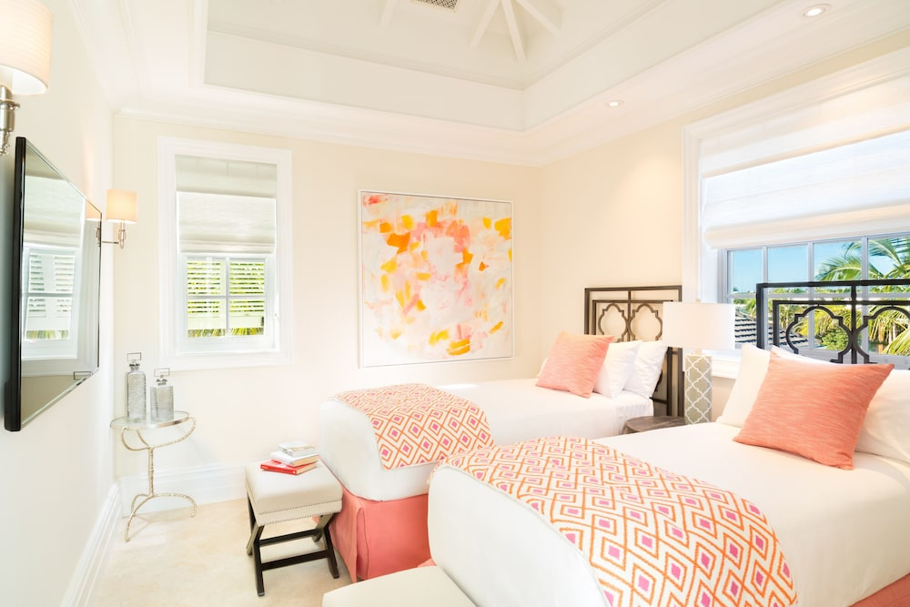 Room, The Villas at the Shore Club