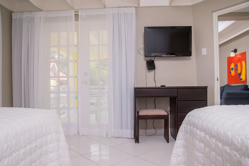 Room, Hillview at Mystic Ridge