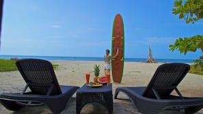 Playa privada y arena blanca
