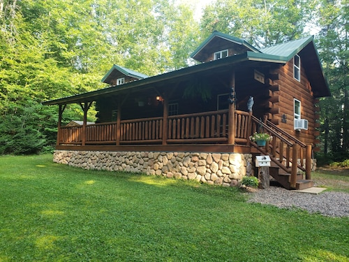 Winding Creek Cabin A Tranquil Cabin Located on 5 Acres of Wooded Land