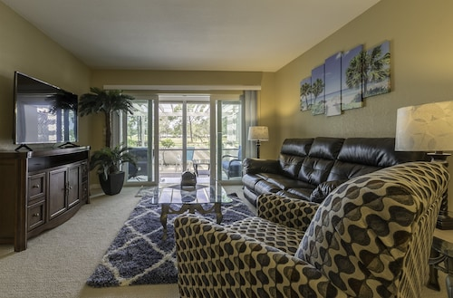 Amazing View - 2 Bed 2 Bath Condo With Great Golf Course View