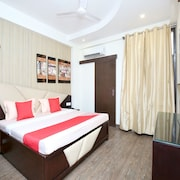 OYO 14186 Royal lake suites