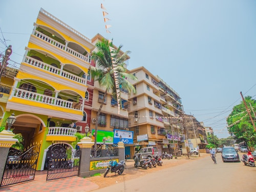 OYO 12890 Home Beautiful 2Bhk Near Baina Beach