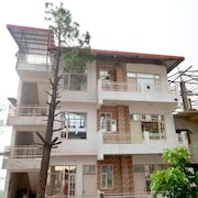 OYO 13433 Home Kasauli View 2BHK Dharampur