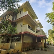 OYO 13328 Rainwood Residency