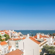 Alfama Lounge Three-Bedroom Apartment w/ River View and Parking - by LU Holidays