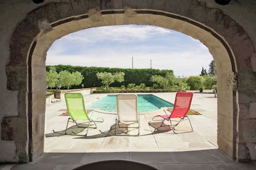 Villa With 2 Bedrooms in Montfrin, With Wonderful sea View, Private Pool and Enclosed Garden - 60 km From the Beach
