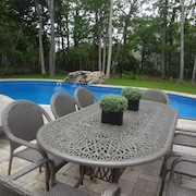 Hamptons Haven W/serene Views!heated Pool and Hot Tub! Game Room.wifi
