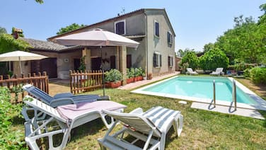 House with private/fenced pool on the Tuscany-Umbria border. 16km from Orvieto