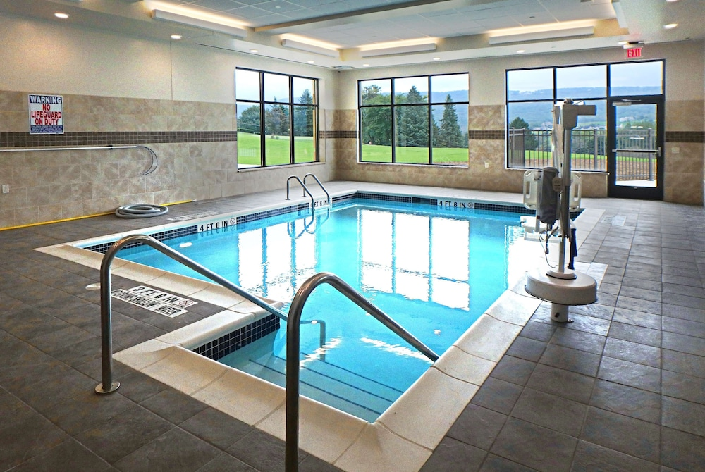 Indoor Pool, Wyndham Garden State College