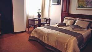 1 Schlafzimmer, Minibar, Schreibtisch, Verdunkelungsvorhänge