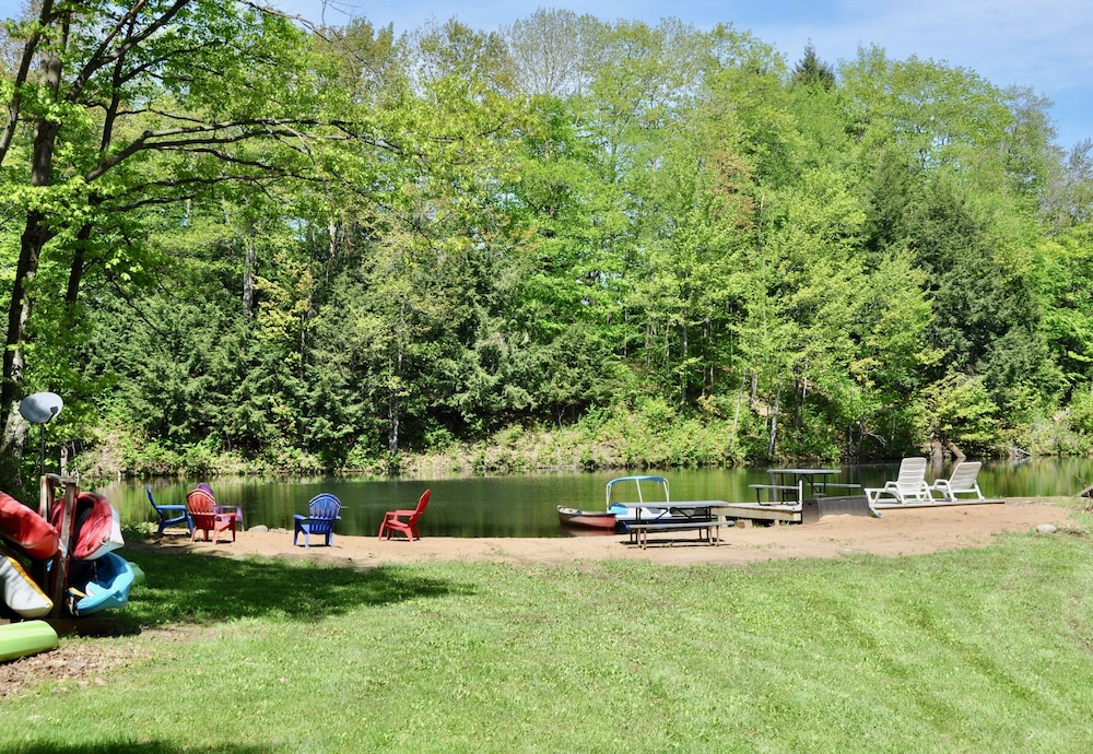 Property Grounds, Relax & Recharge!swim, Fish, Boat on Autumn Lake's Cove, Salmon River 3mins Away