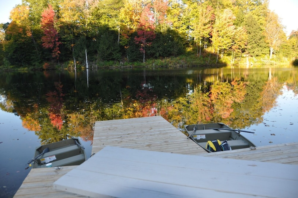 Terrace/Patio, Relax & Recharge!swim, Fish, Boat on Autumn Lake's Cove, Salmon River 3mins Away