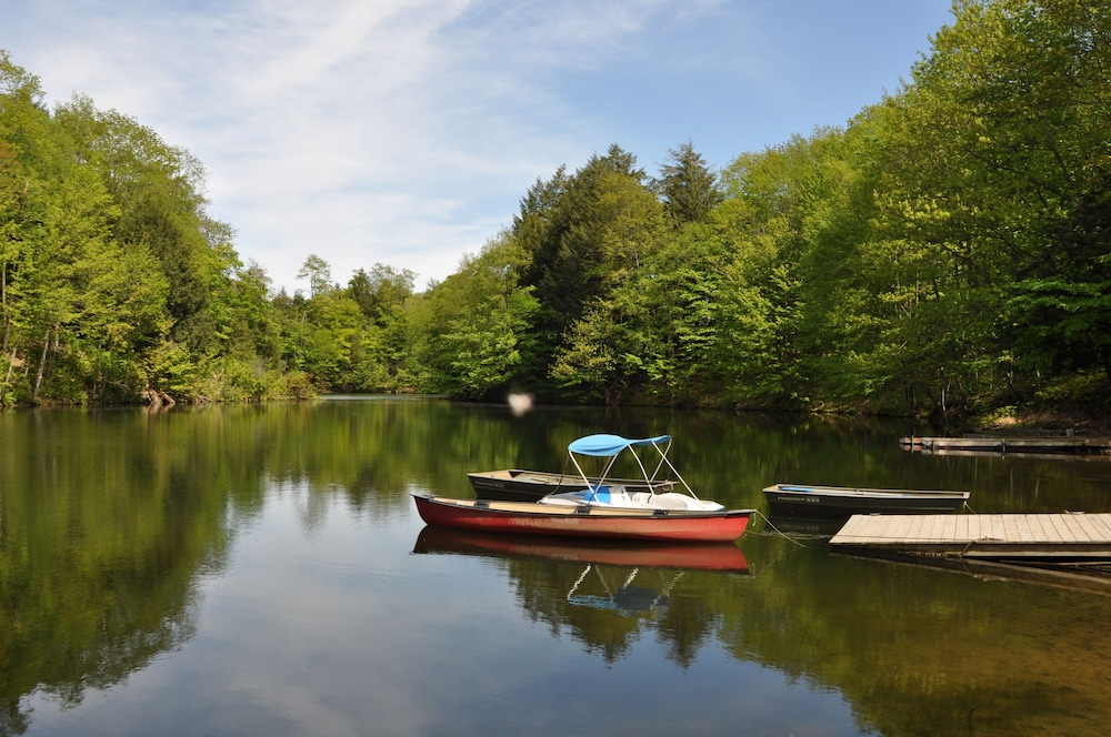 Lake, Relax & Recharge!swim, Fish, Boat on Autumn Lake's Cove, Salmon River 3mins Away