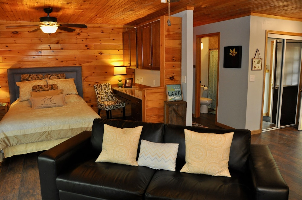 Room, Relax & Recharge!swim, Fish, Boat on Autumn Lake's Cove, Salmon River 3mins Away