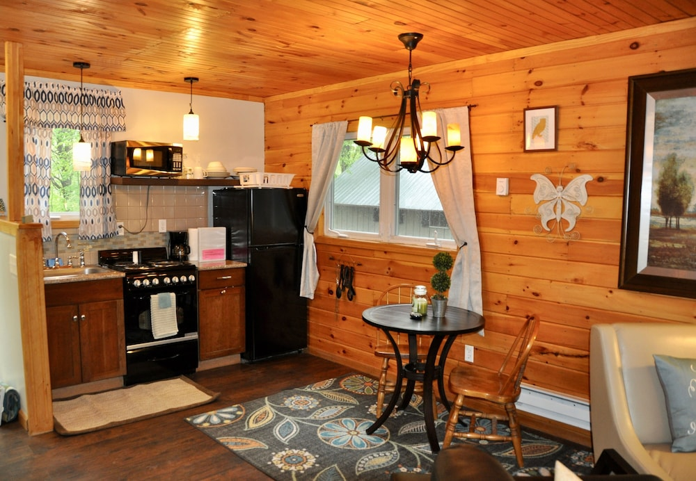 Private Kitchen, Relax & Recharge!swim, Fish, Boat on Autumn Lake's Cove, Salmon River 3mins Away