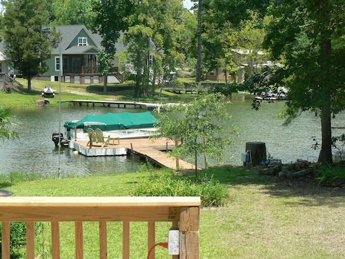 Lake Murray Getaway With Private Dock and Boat Ramp
