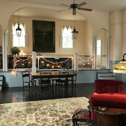 Boutique Holiday Retreat in Scenic Gwynn Falls!