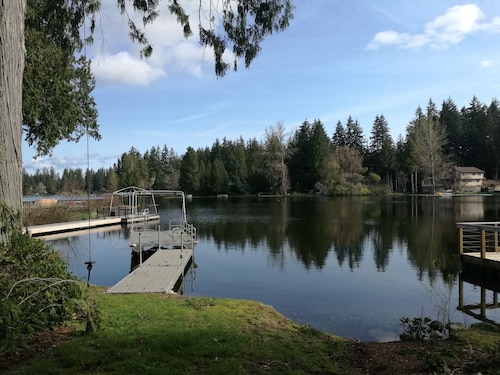 Pine Lake Waterfront House With Private Dock