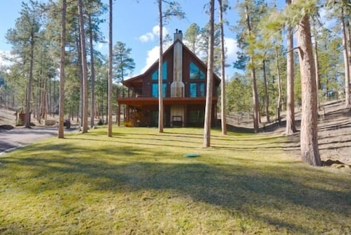 Great Place to stay Shadypines Cabin In The Black Hills W/hot Tub & Centrally Located to Attractions near Silver City