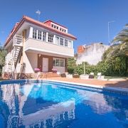Luksus Villa op til 18 Personer. Madrid Capital. Privat Pool og Haven. Wifi