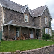 Luxury Apartment in old Farmhouse. Nr Chepstow, Forest of Dean Wye Valley