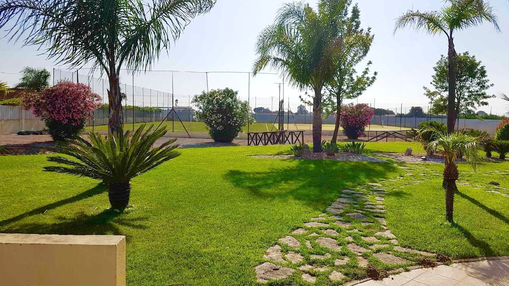 Property Grounds, Private Resort With 2 Pools, Football Pitch, Tennis Court