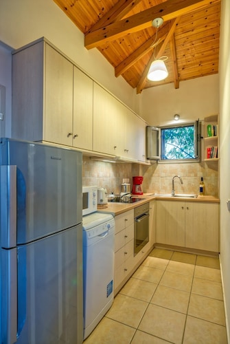 Private Kitchen, Gialova Villa, Sleeps 2 With Pool, Air Con and Wifi