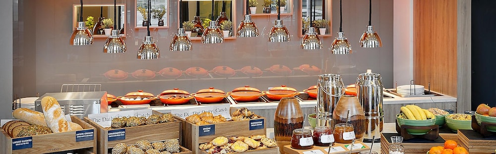 Breakfast buffet, Holiday Inn Hamburg - Hafencity