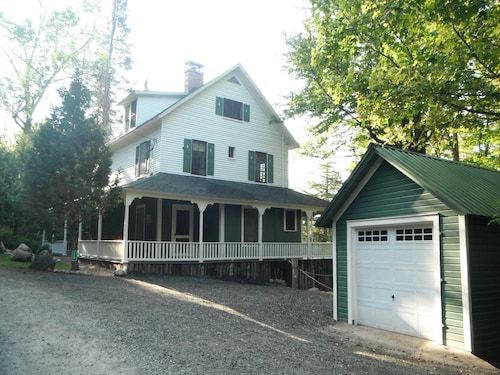 Four Season Adirondack Lodge Style Home on Lake Colby - Saranac Lake Village