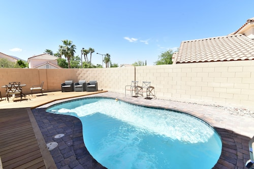 Summerlin Home Close by to Adelson School With Pool