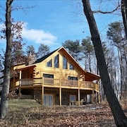 Beautiful True Log Cabin/chalet Rental
