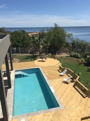 Waterfront Home/private Pool / car Rental Discount