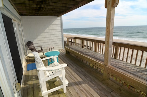 Newly Renovated Queen's Grant Oceanfront Condo Specials -wifi, Pool, Hot Tub