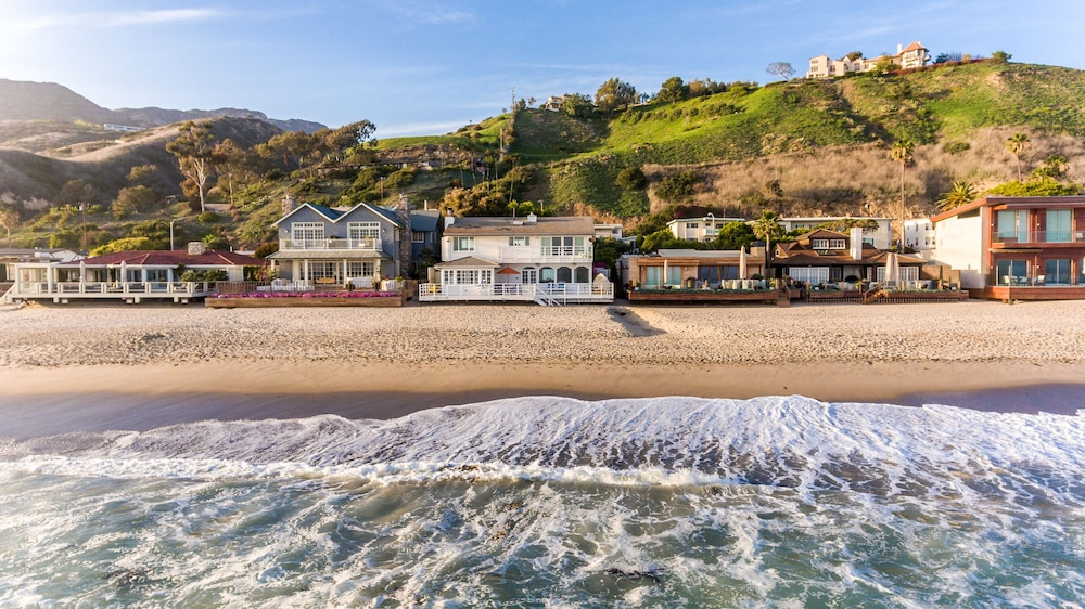 Famous Malibu Beach House Located On Carbon In California Hotel Rates Reviews Orbitz