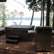 Seal Rock Waterfront Home On Hood Canal 5 Bedrooms W/C Fantastic Views, Fire Pit