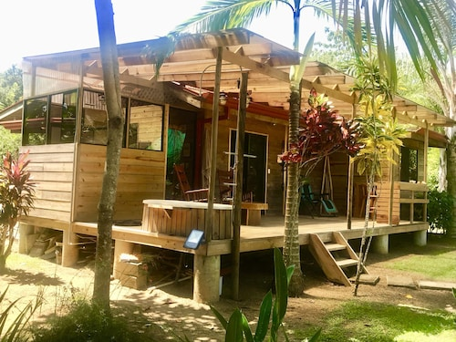 Two-bedroom Cabin/chalet With Botanic Garden Near Beach/forest/national Park