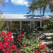 Fully Furnished Studio, 50 Yards From Ocean, Shared Pool, Fishing-jetty